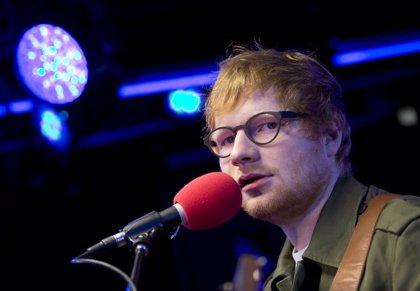 """Ed Sheeran tiene escrita una canción para James Bond... """"por si acaso"""""""