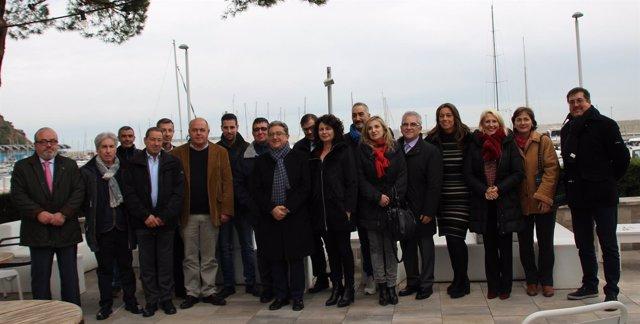 Enric Millo Y Matilde Asian Con Empresarios Turísticos En Blanes