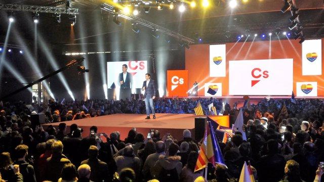 Albert Rivera en el acto central de campaña de Cs