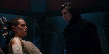 Star Wars 8: ¿Miente Kylo Ren a Rey en ese momento clave de Los últimos Jedi?