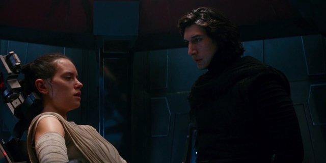 Kylo Ren y Rey en Star Wars: El despertar de la Fuerza
