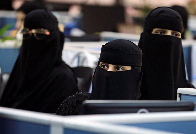 Mujeres saudíes en Riad
