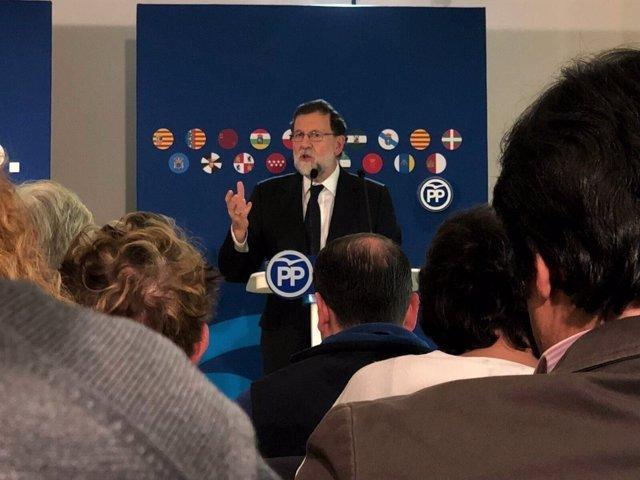 Mariano Rajoy en un mitin en Barcelona