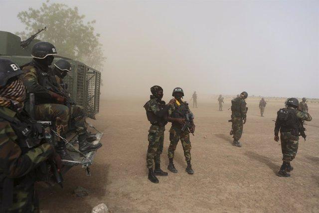 Soldados de Camerún