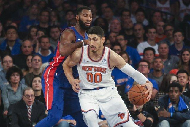 El jugador turco de la NBA Enes Kanter, de los New York Knicks