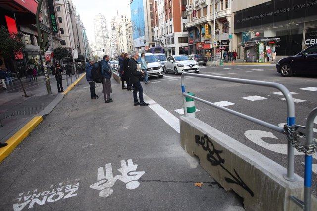 Semipeatonalización y restricción a dos carriles en la calle Gran Vía de Madrid