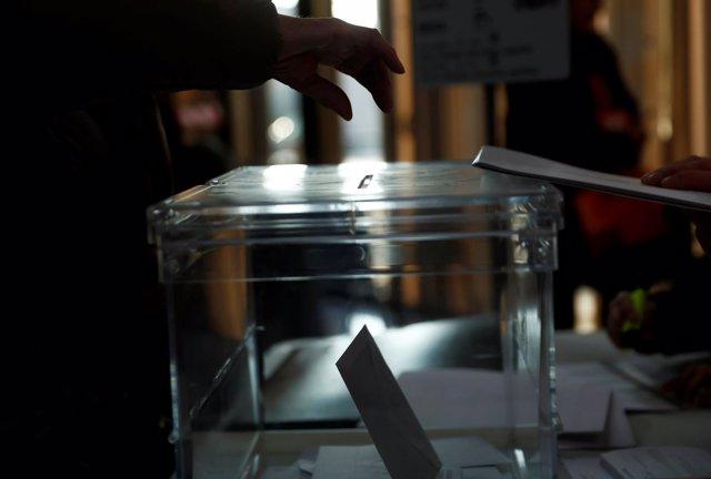 Imágenes y vídeos de las votaciones de las elecciones catalanas del 21-D