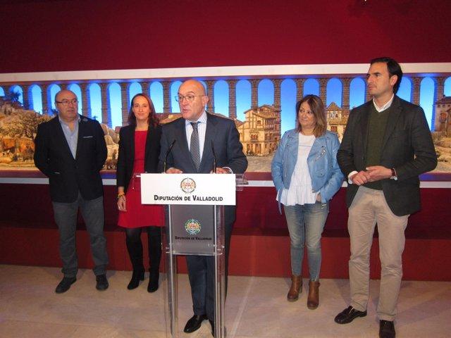 Jesús Julio Carnero junto a los portavoces de la Corporación Provincial