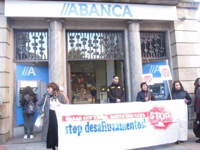 Protesta ante Abanca