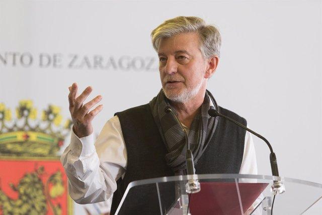 El alcalde de Zaragoza, Pedro Santisteve, en su comparecencia hoy
