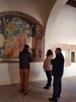 Engracia Rivera visita el monasterio de San Isidoro.