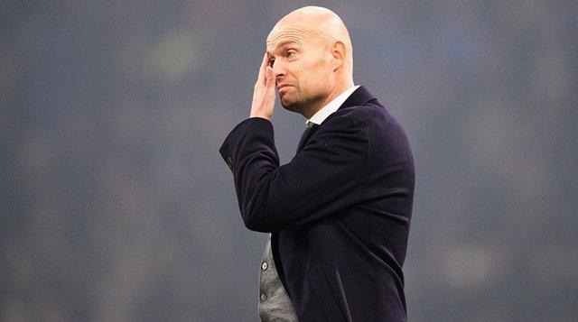 El Ajax despide a su entrenador Marcel Keizer