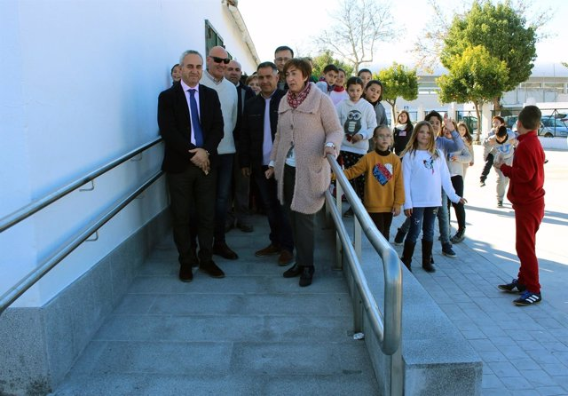 Izquierdo y Carmona visitan el colegio