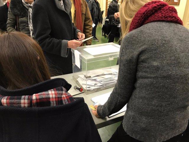 Votación, urna, elecciones