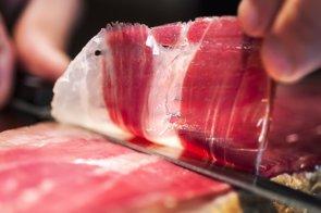 Los beneficios del jamón para la salud. ¿Ibérico, serrano o ambos? (GETTY IMAGES/ISTOCKPHOTO / JORDI V. POU)