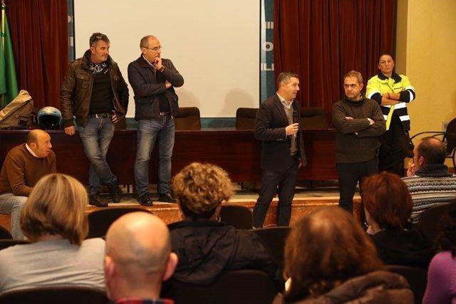 El alcalde de Rota respalda a trabajadores del aeropuerto de la base