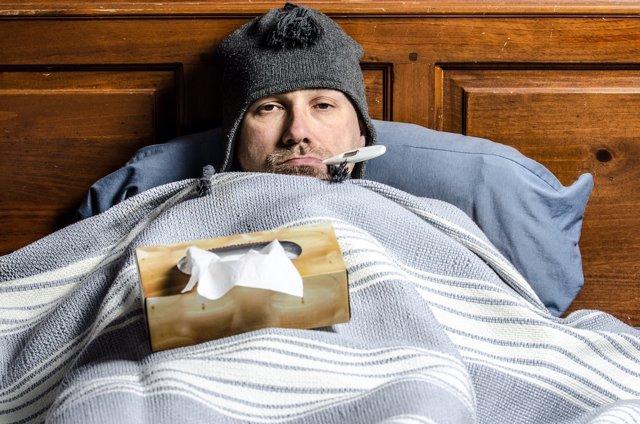 Gripe, catarro, fiebre, resfriado, enfermo, termómetro