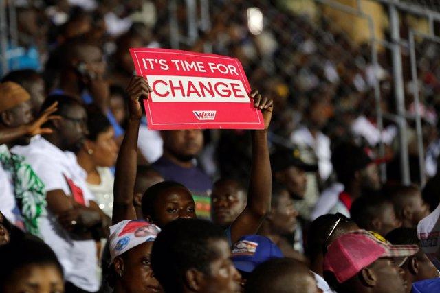 Simpatizantes del candidato presidencial liberiano George Weah