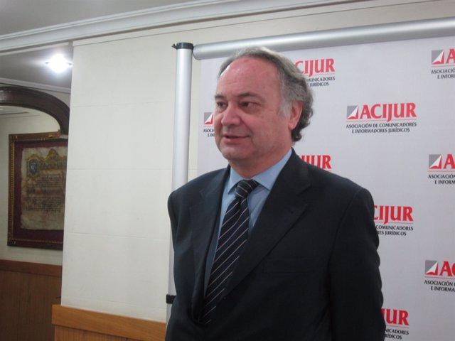 Juan Carlos Estévez presidente procuradores