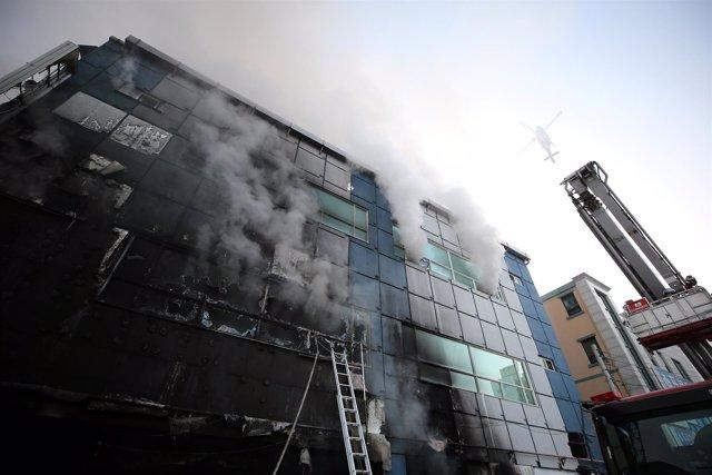 Incendio en un centro deportivo de Jecheon