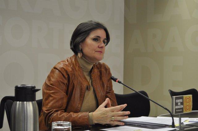 La diputada del PAR, Elena Allué, este jueves en las Cortes