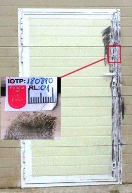 Puerta donde se extrajo la huella incriminatoria.