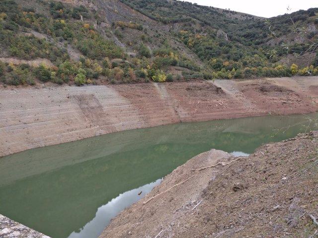 Embalse de Mansilla con poca agua