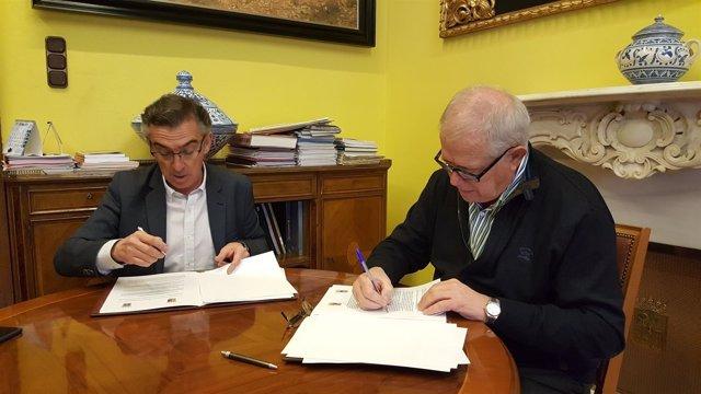 Beamonte y Llanas han suscrito el acuerdo este miércoles en la DPZ