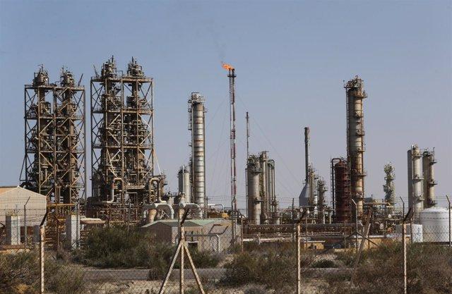 Instalaciones petroleras en Brega