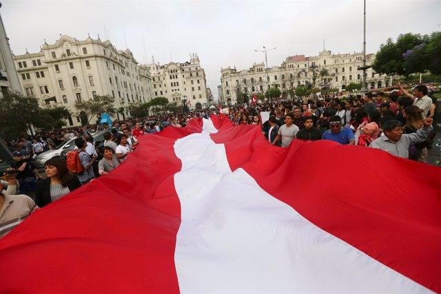Manifestación en Lima contra el indulto al expresidente Alberto Fujimori
