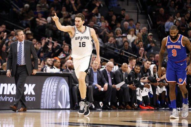 Pau Gasol en el New York Knicks - San Antonio Spurs