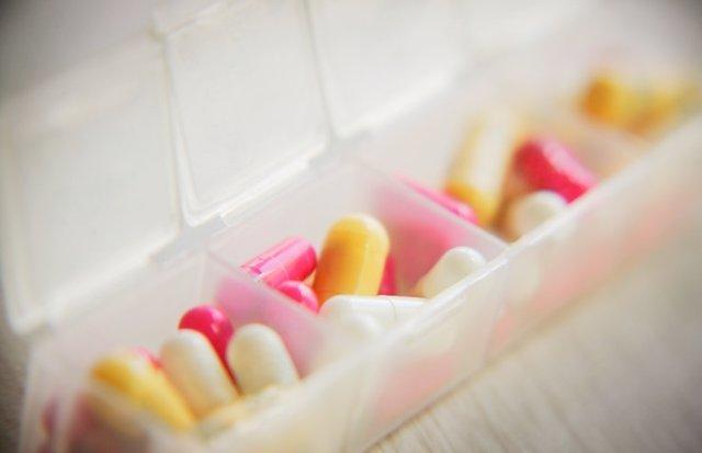 Pastillas, medicamentos, fármacos, cápsulas