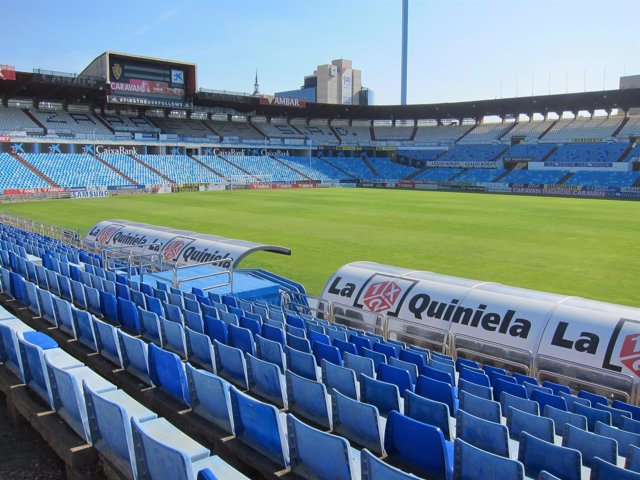 Estadio de La Romareda, campo de fútbol