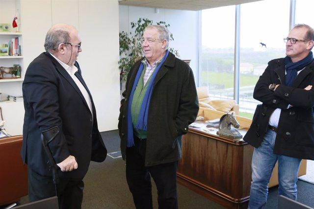 Oria con el alcalde de Santillana del Mar