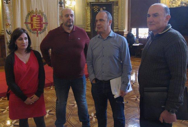 La concejal de Medio Ambiente, el gerente de Aquavall y sindicatos