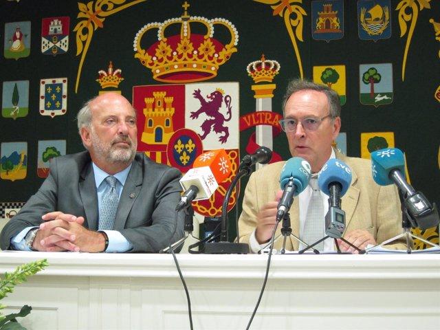 Ricardo Gil-Toresano,  la izquierda de la fotografía.