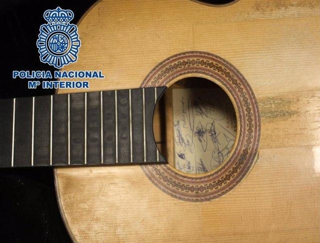 Nota De Prensa: La Policía Nacional Recupera Una Guitarra Española Sustraída En