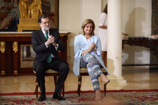 Rajoy y Báñez en la entrega de las Medallas de Oro al Mérito en el Trabajo