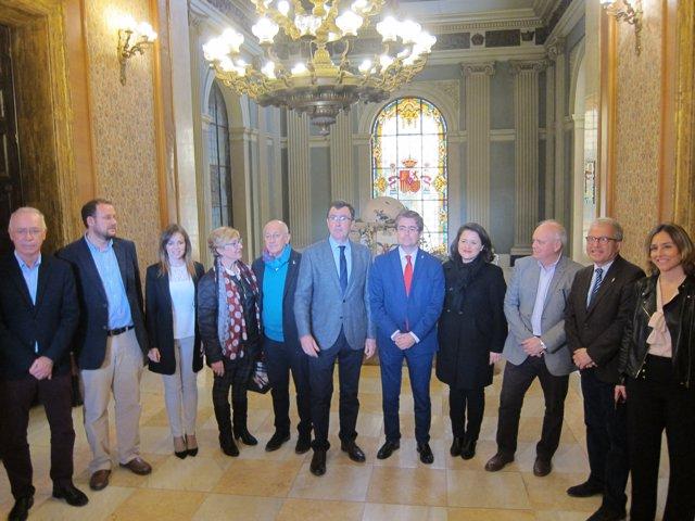 El alcalde de Murcia y su Equipo de Gobierno, posan en el Ayuntamiento