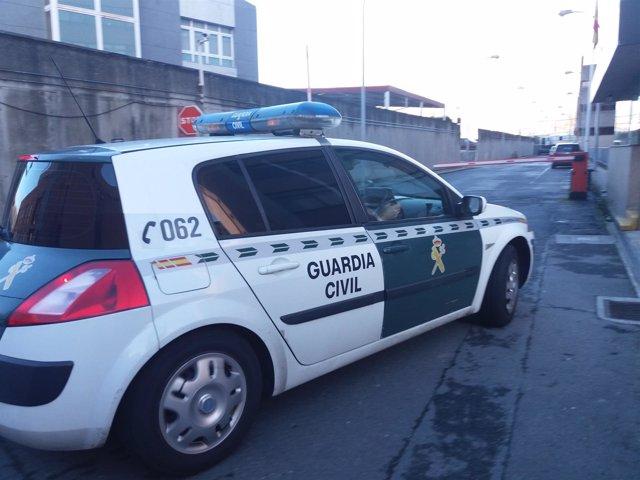 Llega a la Comandancia de A Coruña el detenido por intento de secuestro en Boiro