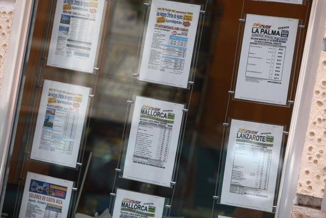 Carteles de las agencias de viaje