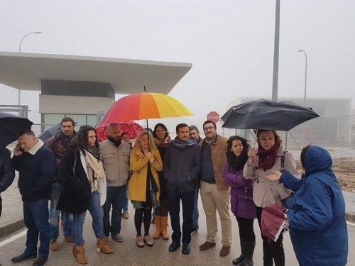 Alberto Garzón en la carcel de Archidona inmigrantes cie internamiento IU