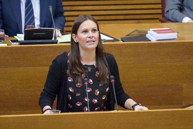 Beatriz Gascó durante una de sus intervenciones en las Corts. Archivo