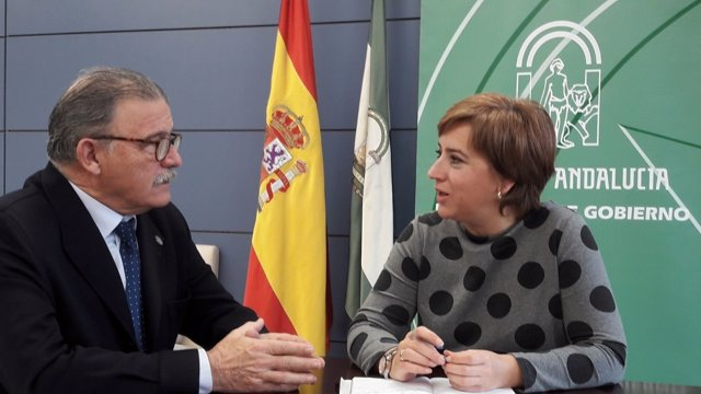 Eduardo Torres y Sandra García, en una reunión en la Junta