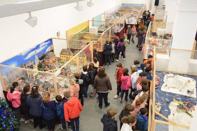 Lleno en la exposición de Playmobil de Tomares.