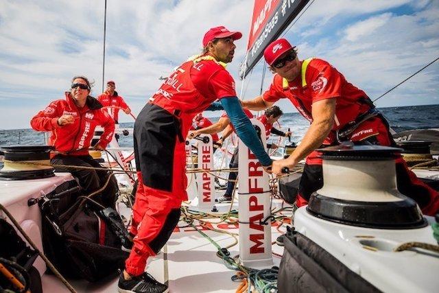 "Támara Echegoyen, Antonio ""Ñeti"" Cuervas-Mons y Will Altadill (Volvo Ocean Race"
