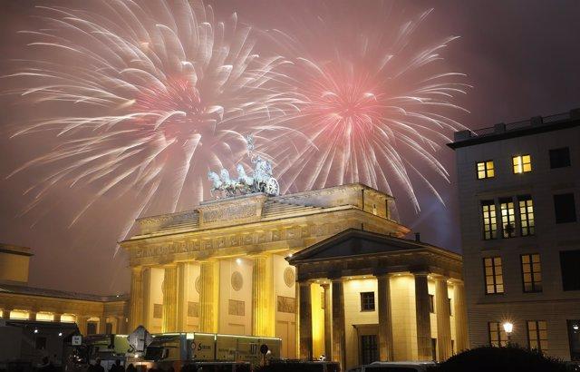 Fuegos artificiales en la Puerta de Brandeburgo