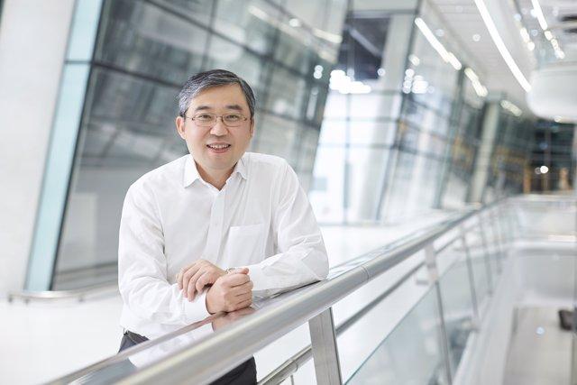 Han-Jun Kim, Presidente Y Director De Operaciones De Hankook En Europa
