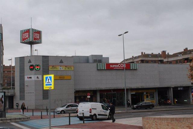 SUPERMERCADO, CENTRO COMERCIAL