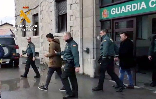 Rdo. Nota De Prensa Guardia Civil (Cinco Detenidos Grupo Criminal Dedicado Al Ro